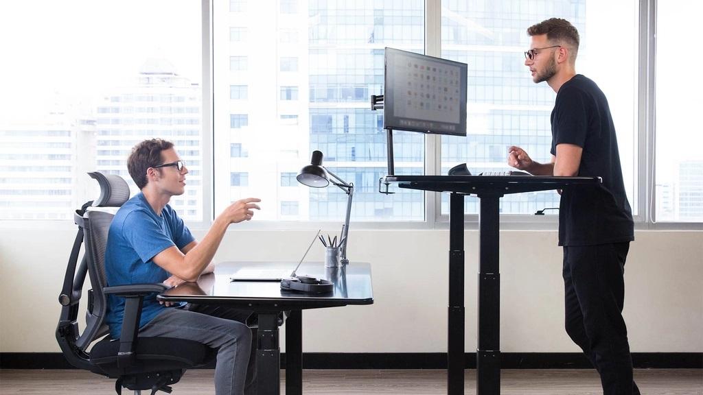 Uplift Desk Versus Autonomous Standing Desk